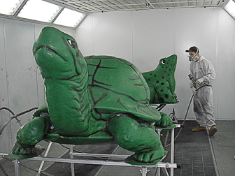 Customized painting for the Mini Golf Turtle and Frog by Randall's Auto Body of Southampton, NY.